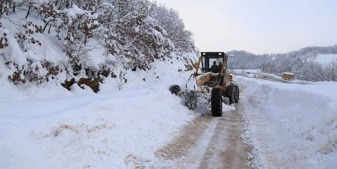 Bursa'da kardan kapanan 190 köy yolu açıldı