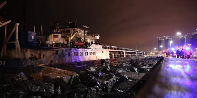 Kartal'da biri Rus 2 gemi karaya oturdu