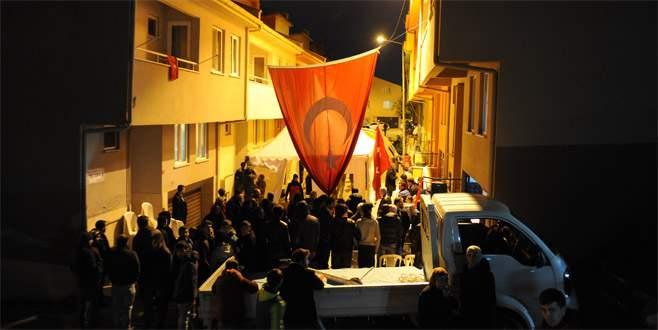 Bursalı şehidin evinde bayrak nöbeti