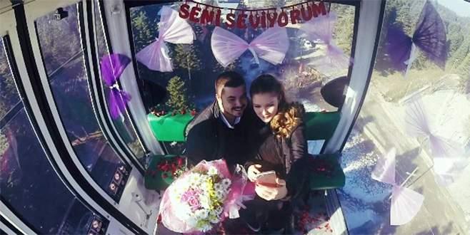 Uludağ'a çıkarken teleferikte evlilik teklifi aldı
