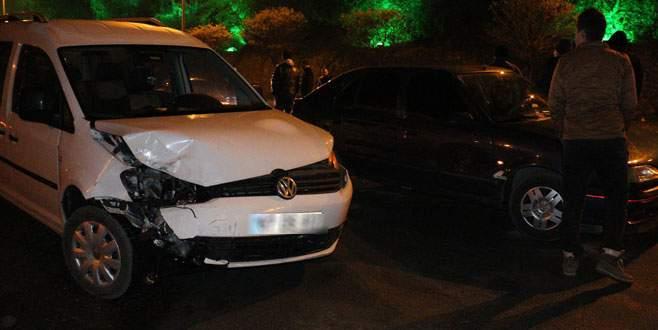 Zincirleme kaza! 11 araç birbirine girdi