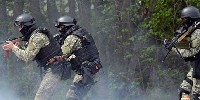 Özel tim ve asayış şube yanlışlıkla çatıştı: 5 polis öldü