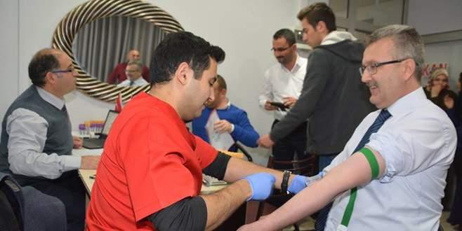 Özkan'dan kan bağışı kampanyasına destek