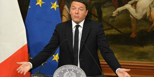 İtalya'da Başbakan Renzi istifa kararı aldı