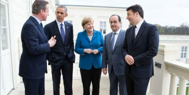 Sadece Merkel yıkılmadı, ayakta kaldı