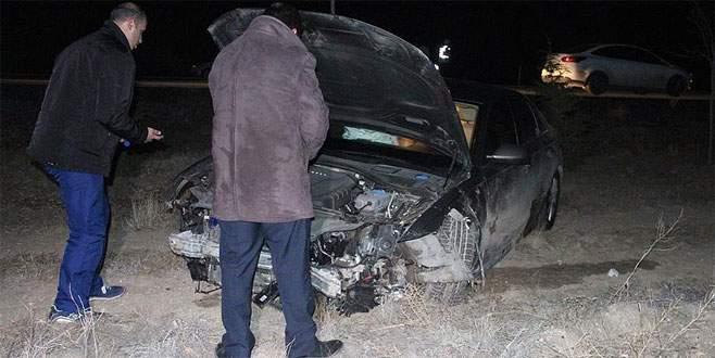 Aracı domuza çarpan belediye başkanı yaralandı