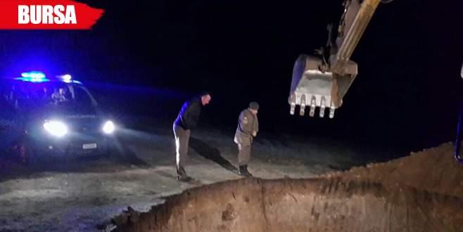 İş makinesiyle kaçak kazı yapan 9 kişi gözaltına alındı