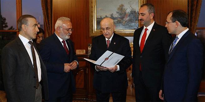 Anayasa değişiklik teklifi Meclis'e sunuldu