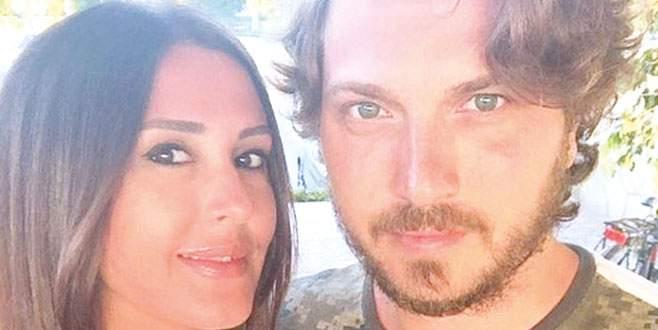 Ebru Destan boşanıyor