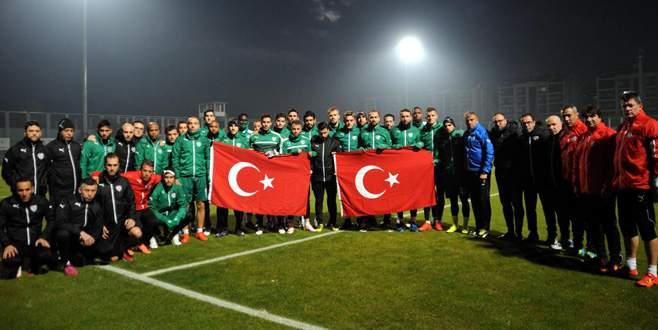 Bursasporlu futbolculardan teröre tepki