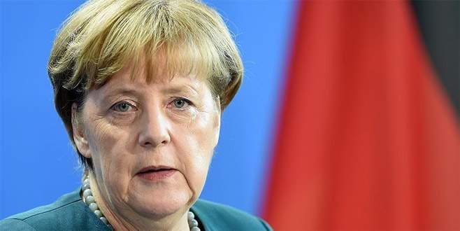 Merkel Suriye'deki durumu 'felaket' olarak nitelendirdi