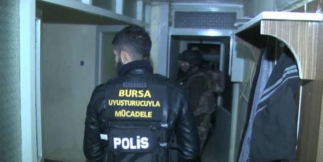 Bursa'da 200 polisle şafak vakti uyuşturucu operasyonu
