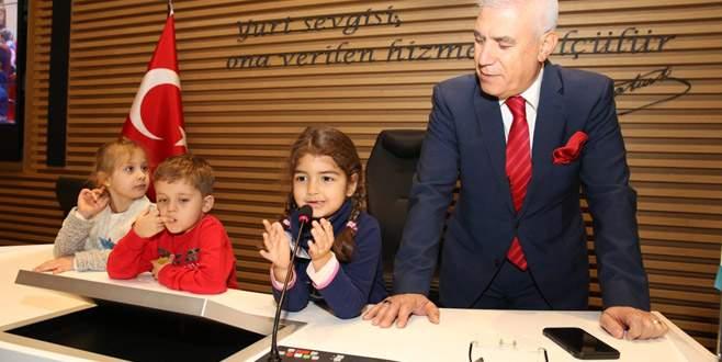 Minikler Çocuk Sokağı Projesi'ne başkan seçti