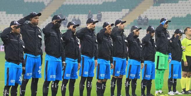 Bursaspor maça çevik kuvvet montlarıyla çıktı