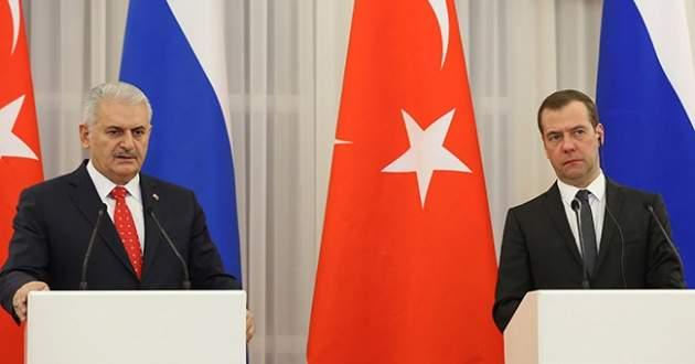 Başbakan Yıldırım, Medvedev ile Halep'i görüştü