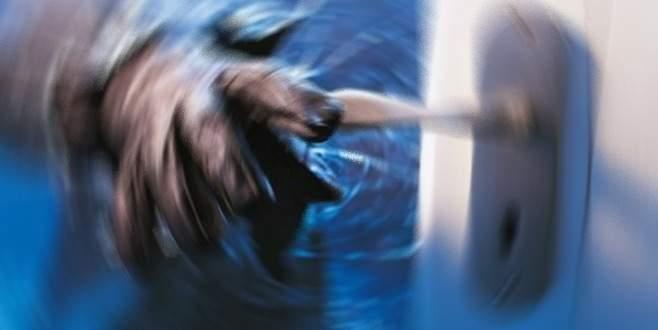 Bursa'da evden 5 bin liralık ziynet eşyası çaldılar