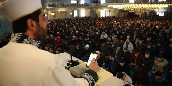 Bursa'da vaaz sırasında Halep'e SMS'li toplu destek
