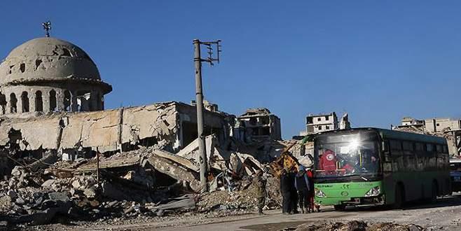 Halep'teki tahliye konvoyunda 14 sivil hayatını kaybetti