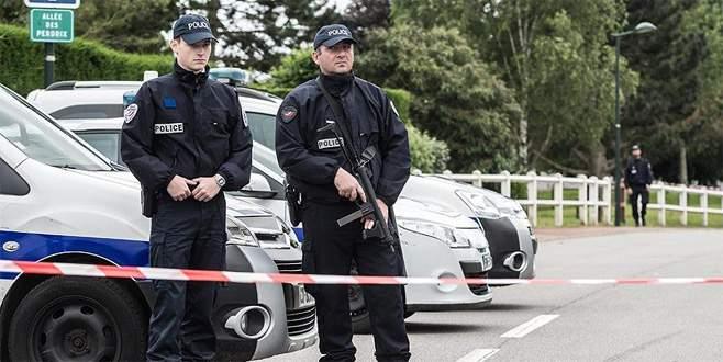 Paris'teki 3 PKK'lı cinayetinin sanığı Güney öldü