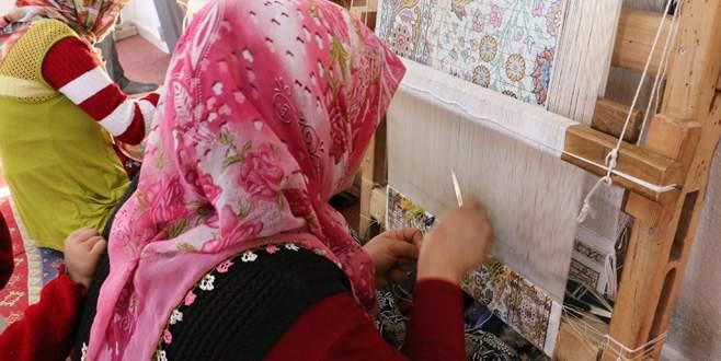 İhsaniye'de ipek halı üretimi başladı