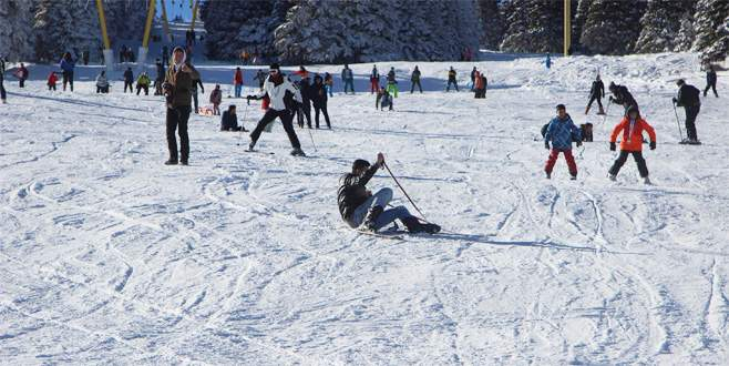 Uludağ'da tepetaklak kayak keyfi