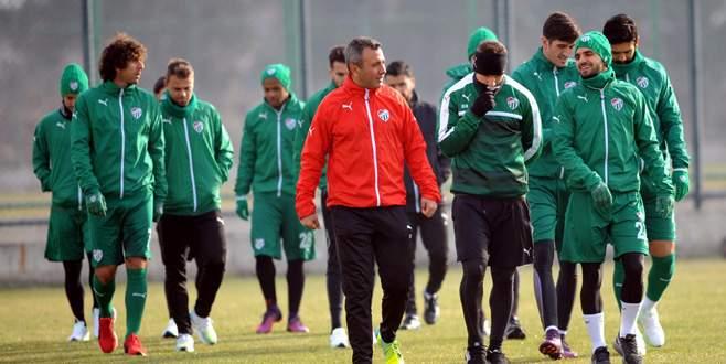 Bursaspor ara vermeden kupa hazırlığına başladı