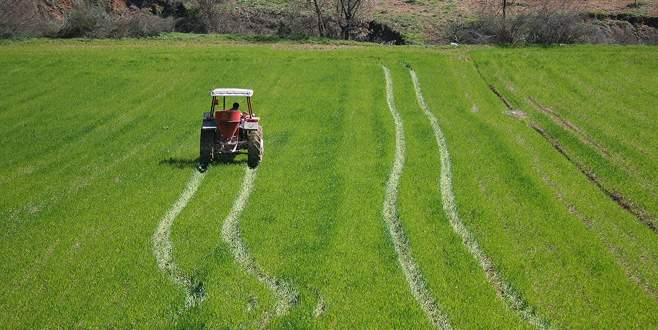 Çiftçiye makine parkı