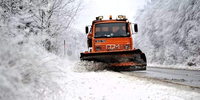 Bursa'da karla mücadele! 88 köy yolu açıldı…