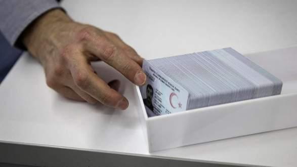 Çipli kimlik kartlarının dağıtımı bugün başlıyor