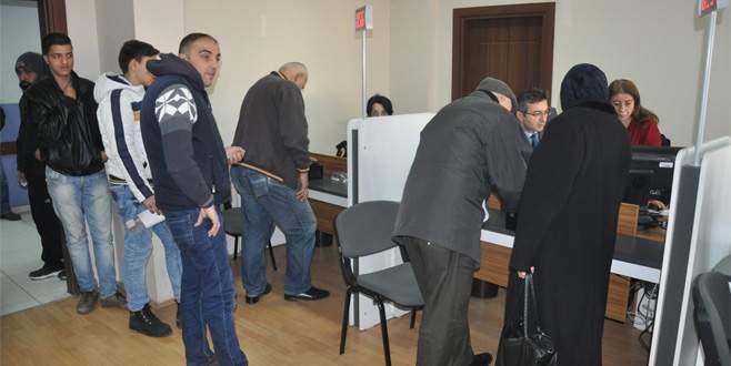 Bursa'da yeni kimlik için başvuru kuyruğu