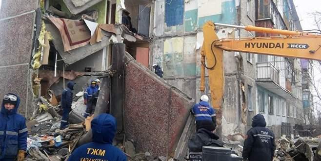 Kazakistan'da apartman çöktü: 9 ölü
