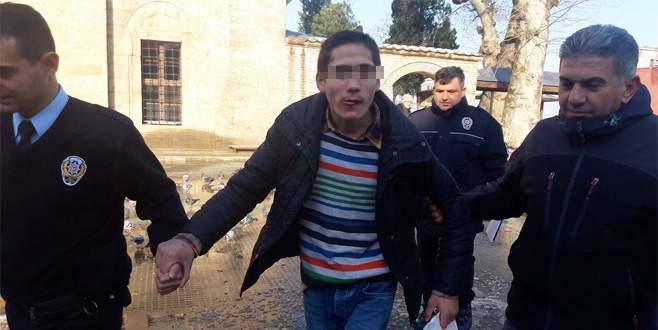 Bursa'da polisi görünce bayılma numarası yaptı