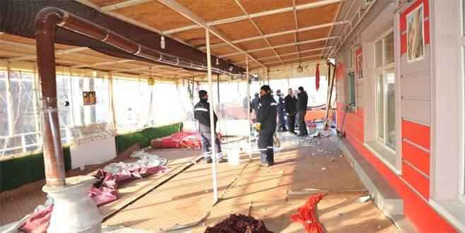 Osmangazi'deki kaçak kafe yıkıldı