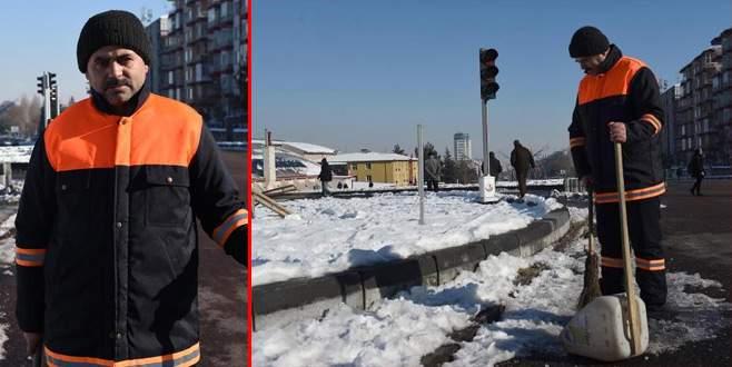 Kar temizlerken 20 bin TL buldu