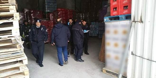 3 tonluk paletin altında kalan işçi yaşamını yitirdi