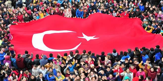 Bursalı küçük yürekler Mehmetçik için attı