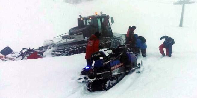 Uludağ'da donmak üzere olan 2 genç son anda kurtardı