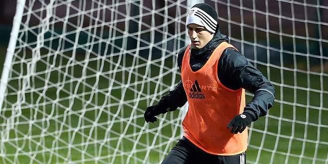 Beşiktaş Mitrovic'i resmen açıkladı