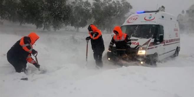Bursa'da mahsur kalan diyaliz hastasını AFAD kurtardı