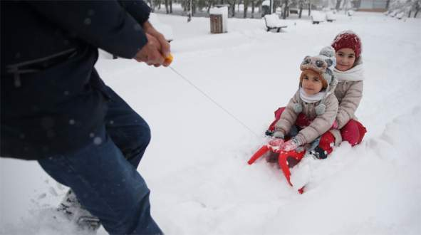 Bursa'da okullara kar tatili! (Bursa'da 9 Ocak Pazartesi günü okullar tatil)