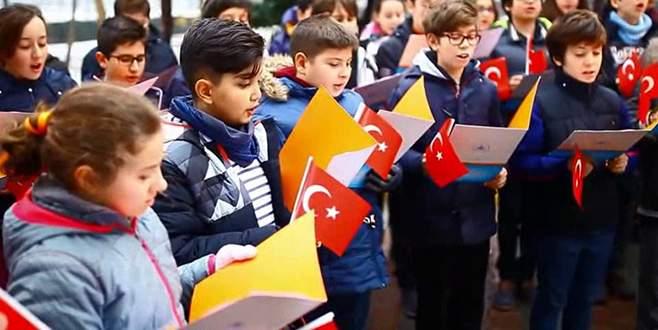 Yönderlilerden kahraman Türk polisine sürpriz!