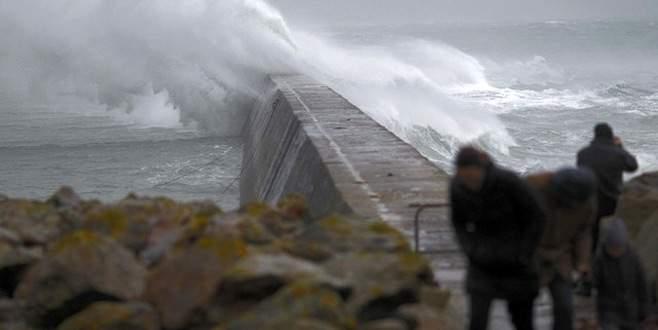 Bursa Valiliği'nden fırtına uyarısı