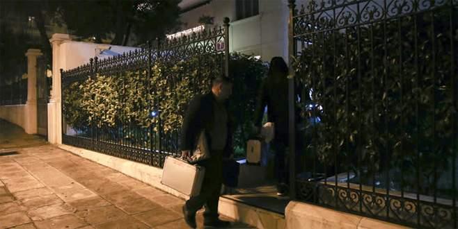 Rus diplomat evinde ölü bulundu