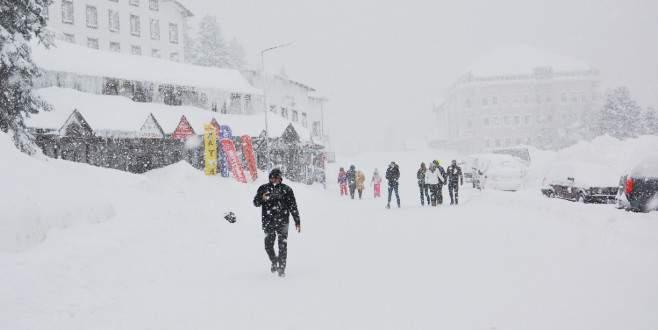 Uludağ'da kar kalınlığı 255 santimetre