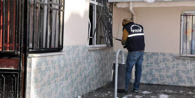 Bursa'da hırsızlar para bulamayınca köfte çaldı