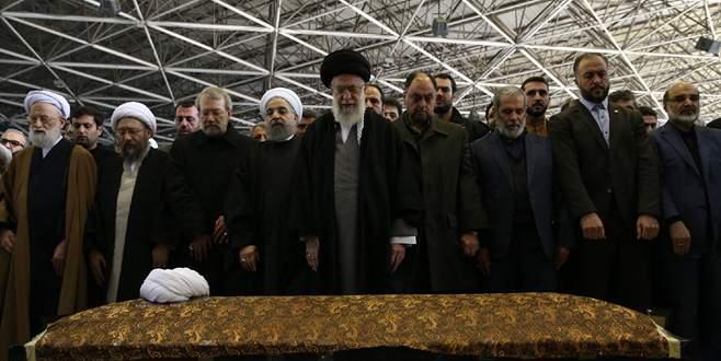 İran'da Rafsancani'yi yüz binler uğurladı