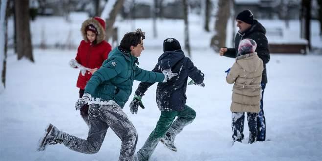 Bursa'da eğitime kar engeli! O ilçelerde okullar tatil edildi