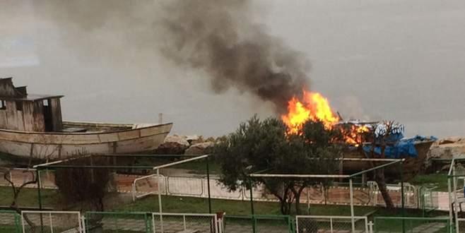 Gemlik'te tekne yangını