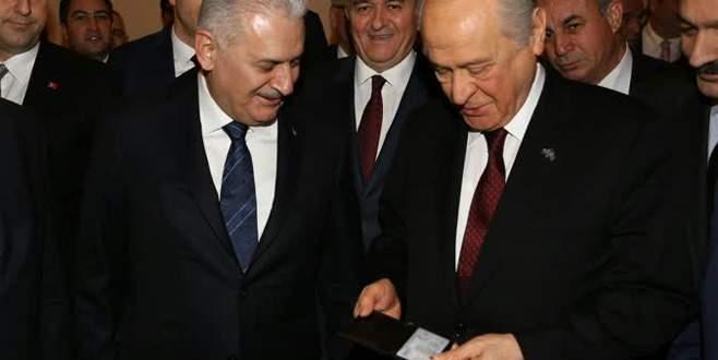 Başbakan Yıldırım'dan Devlet Bahçeli'ye jest