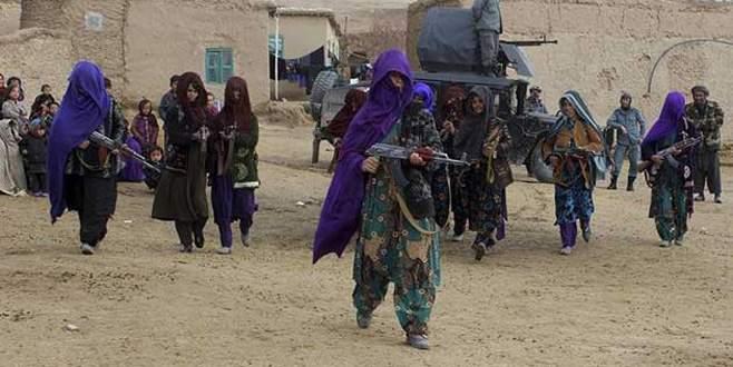 Afgan kadınlar silahlandı